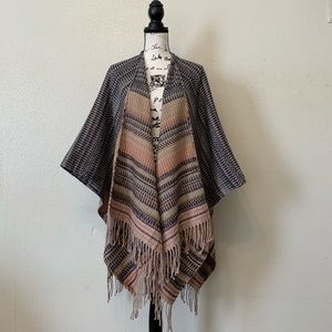 🌸HP🌸D&Y Cover Up Poncho Multicolor Tassels
